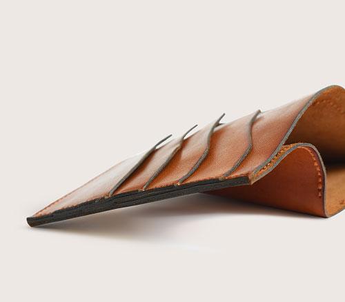 Кожаный большой кошелек CASANIE, цвет коньяк, деталь