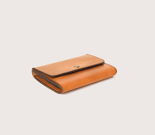 Большой кожаный кошелек CASANIE, цвет рыжий, вид сбоку